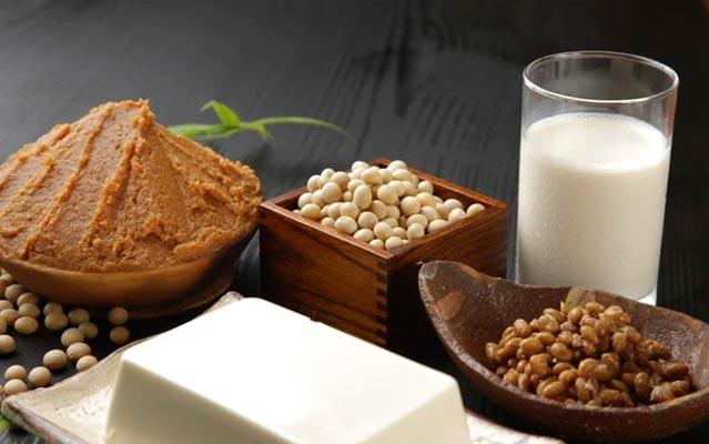 8 alimentos que sobem os níveis de colesterol