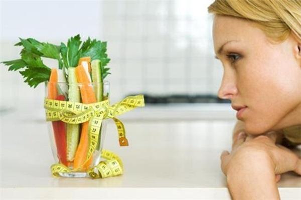 Veja como comer menos sem morrer de fome!
