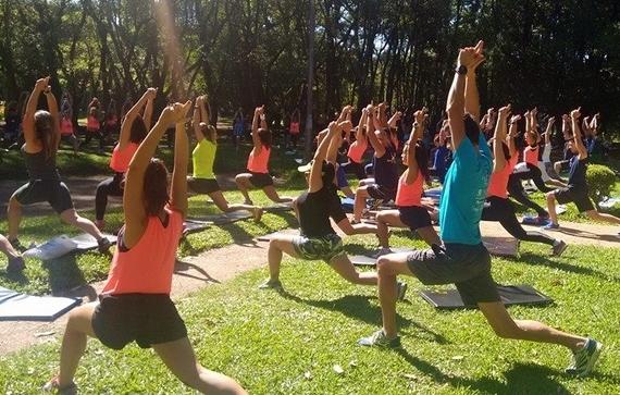 Modalidade de treinamento que une ioga, meditação, crossfit e artes marciais.