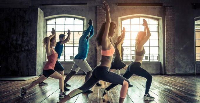 Calistenia é a prática de alguns exercícios utilizando a força corporal